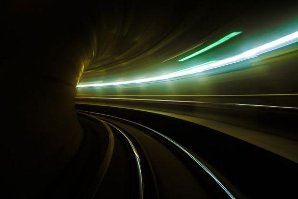 metro-2199831_1280.jpg