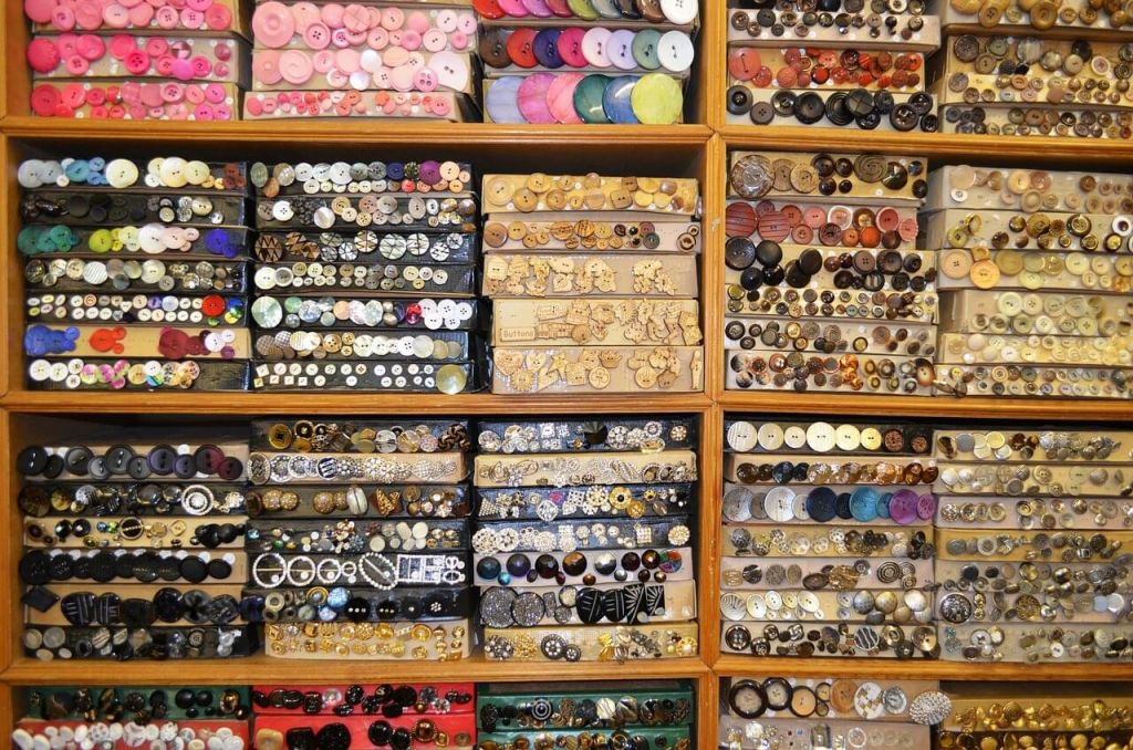 buttons-19755_1280.jpg