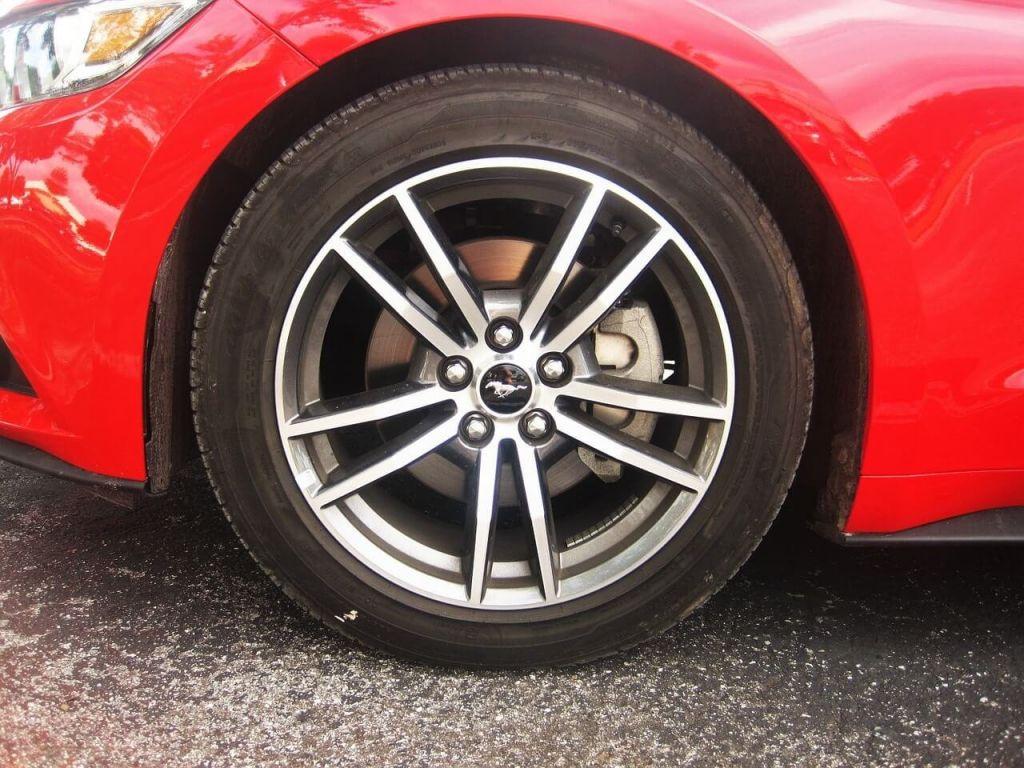 ford-mustang-convertible-1489457_1280.jpg